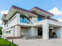 Дом 1508 м² на участке 50 сот.