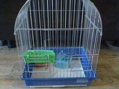 Продам маленькую клетку для птиц