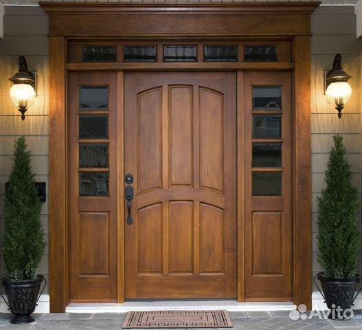 двери из дерева входная
