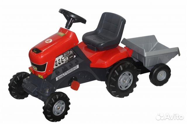 Каталка-трактор с педалями