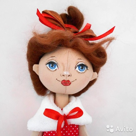 Кукла ручной работы. Текстильная кукла в красном купить 1