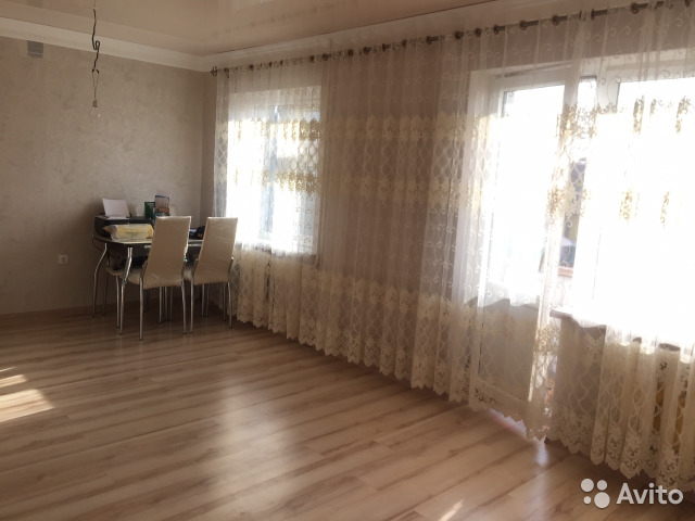 Продается двухкомнатная квартира за 1 800 000 рублей. Грозный, Чеченская Республика, улица Заболотного, 191, подъезд 1.