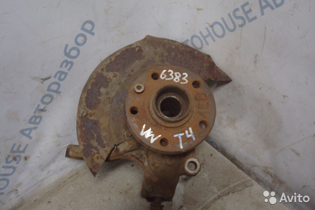 89657347629 VW T4 правый поворотный кулак